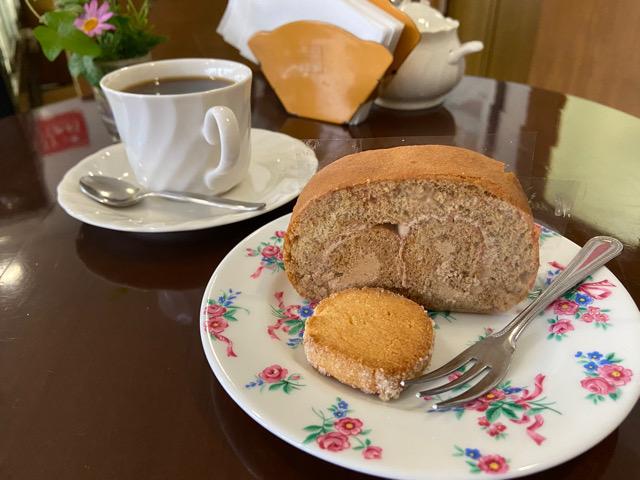 【熱海】モンブランのモカロールケーキ