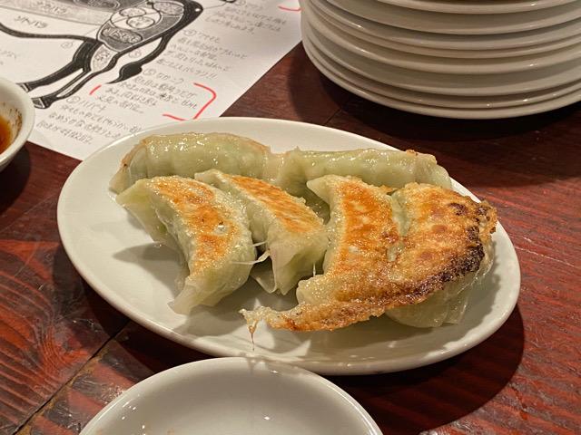 金沢肉山 餃子