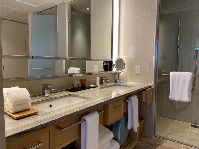 ハレクラニ沖縄 バスルーム